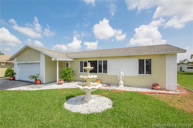 4900 SW 12th St, Margate, FL 33068 (MLS #A10686798) :: Grove Properties