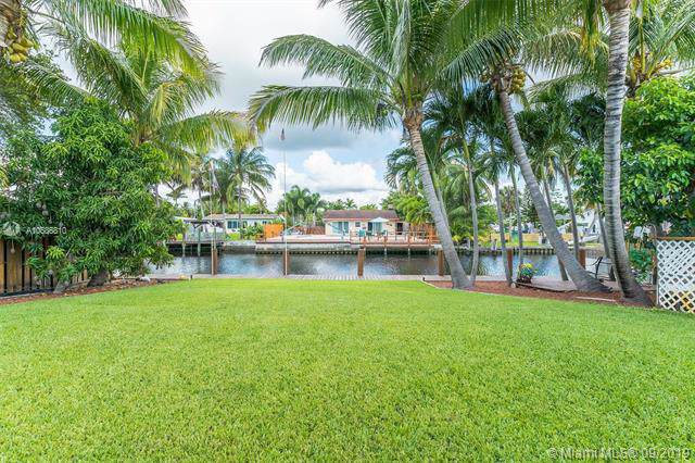 4481 SW 34th Dr, Dania Beach, FL 33312 (MLS #A10686810) :: Ray De Leon with One Sotheby's International Realty