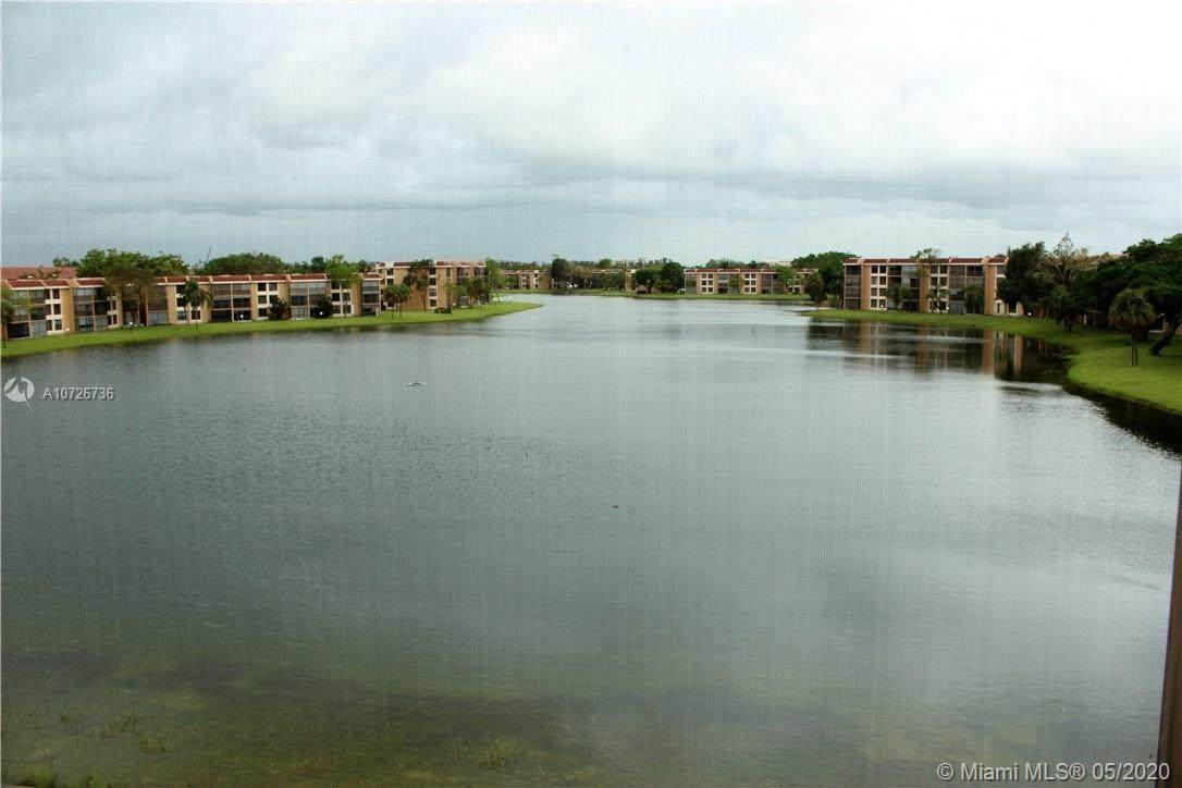 6240 Coral Lake Dr - Photo 1