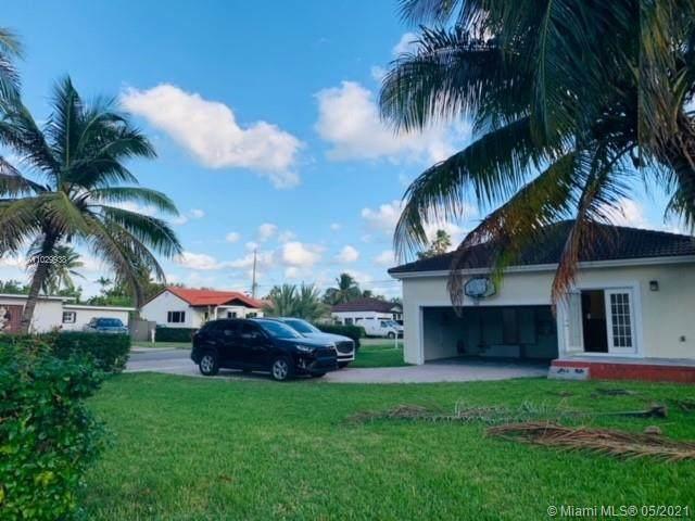 166 Pine Ave, Miami Springs, FL 33166 (MLS #A11029938) :: Team Citron