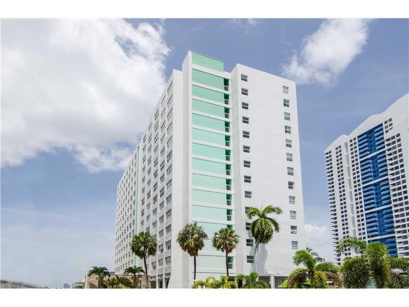 1250 West Av 5N, Miami Beach, FL 33139 (MLS #A10151535) :: United Realty Group