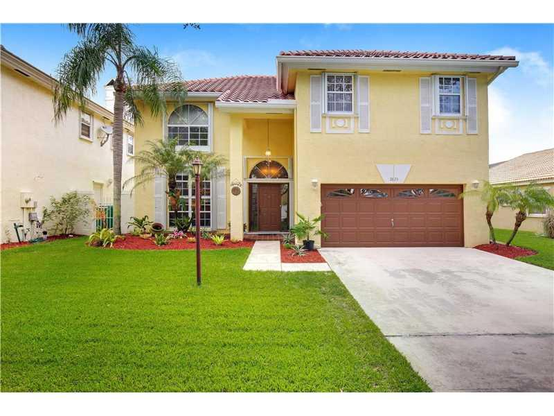 2823 Cayenne Ave, Cooper City, FL 33026 (MLS #A10152120) :: United Realty Group