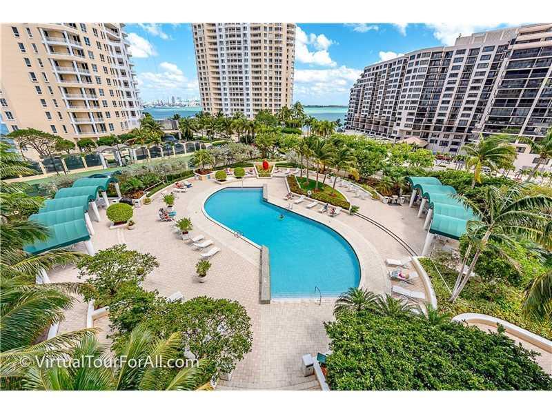 888 Brickell Key Dr #907, Miami, FL 33131 (MLS #A10161334) :: United Realty Group