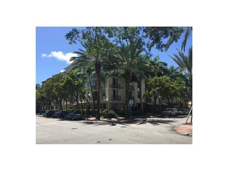 1919 Van Buren St 108A, Hollywood, FL 33020 (MLS #A10166588) :: United Realty Group