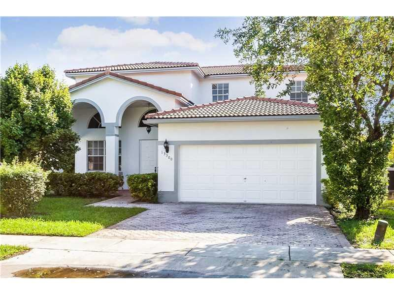 13300 SW 52nd Ct, Miramar, FL 33027 (MLS #A10168246) :: United Realty Group