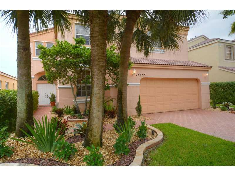 15655 NW 14th Ct, Pembroke Pines, FL 33028 (MLS #A10171905) :: United Realty Group