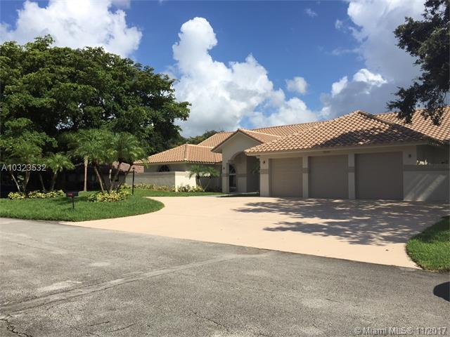 9641 NW 28th St, Cooper City, FL 33024 (MLS #A10323532) :: The Teri Arbogast Team at Keller Williams Partners SW