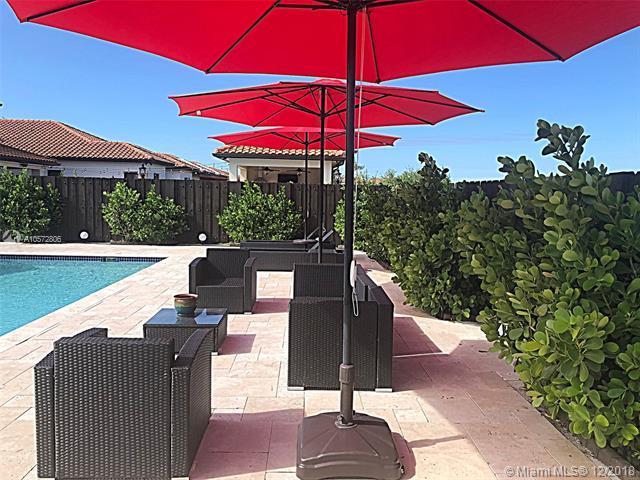 14417 SW 17 St, Miami, FL 33175 (MLS #A10572806) :: Green Realty Properties