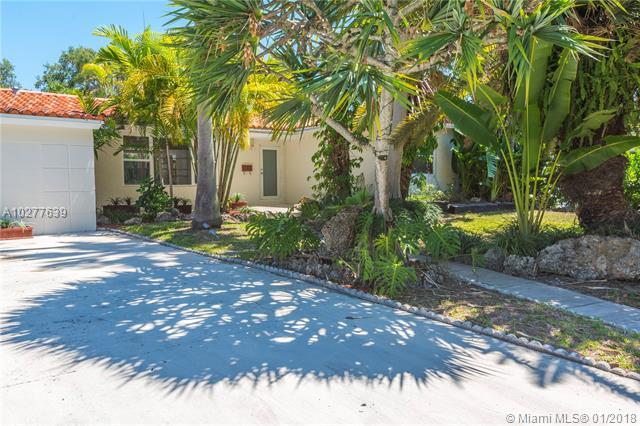 545 NE 50th Ter, Miami, FL 33137 (MLS #A10277639) :: The Teri Arbogast Team at Keller Williams Partners SW