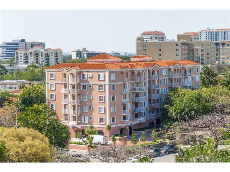 1 Alhambra Cir #206, Coral Gables, FL 33134 (MLS #A10279105) :: The Riley Smith Group