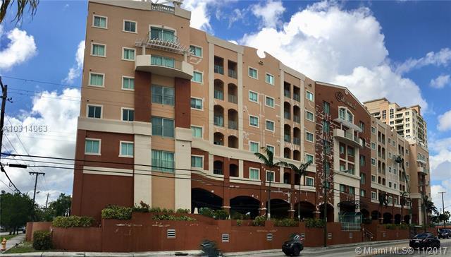 2280 SW 32 AV #213, Miami, FL 33145 (MLS #A10314063) :: The Teri Arbogast Team at Keller Williams Partners SW