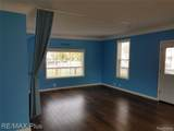 4643 Middle Street - Photo 4
