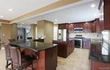 6811 Berry Pointe Drive - Photo 4