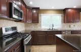 6811 Berry Pointe Drive - Photo 7