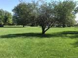 9045 Oakhill Road - Photo 14