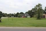 1676 Carolyn Drive - Photo 3