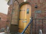 22303/305 Beech Street - Photo 2