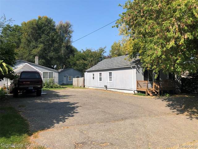 37,39,39.5 N.Roslyn Avenue, Waterford Twp, MI 48328 (#2200079913) :: Real Estate For A CAUSE
