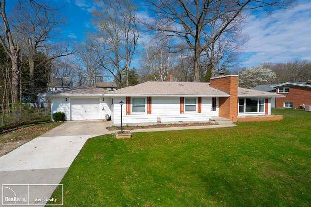 1734 Colorado Ave, Marysville, MI 48040 (#58050039097) :: Real Estate For A CAUSE