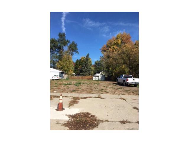 104 W Walton Boulevard, Pontiac, MI 48340 (#216102277) :: RE/MAX Vision
