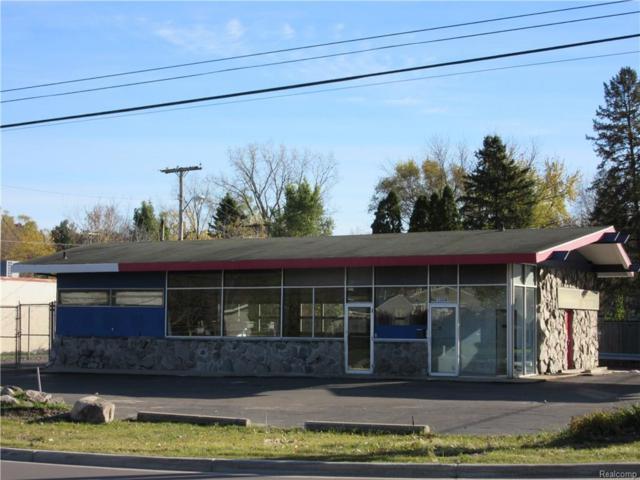 1304 E Commerce Street, Milford Vlg, MI 48381 (MLS #216110467) :: The Toth Team