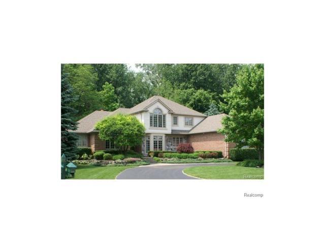 3674 Walnut Brook, Rochester Hills, MI 48309 (#217051490) :: Simon Thomas Homes