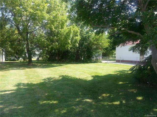 0 Lawn, Roseville, MI 48066 (MLS #217051737) :: The Toth Team