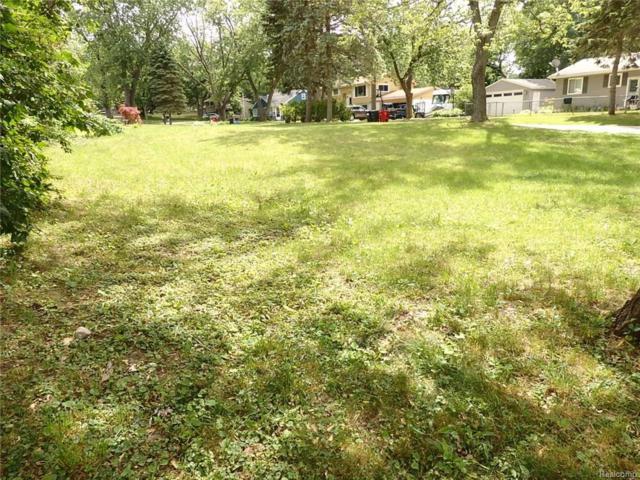 7141 Colony Drive, West Bloomfield Twp, MI 48323 (#217053475) :: Simon Thomas Homes