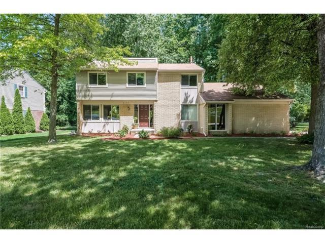 6079 Glen Eagles Drive, West Bloomfield Twp, MI 48323 (#217053865) :: Simon Thomas Homes