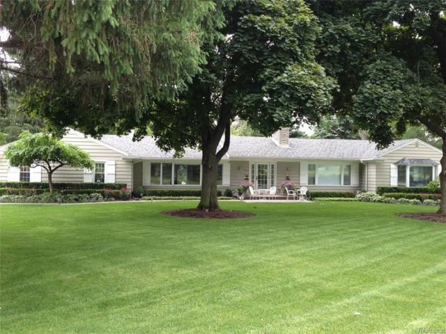 6095 Golfview Drive, Bloomfield Twp, MI 48301 (#217054149) :: Simon Thomas Homes