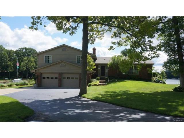 2350 Carlos Drive, Waterford Twp, MI 48327 (#217054344) :: Simon Thomas Homes