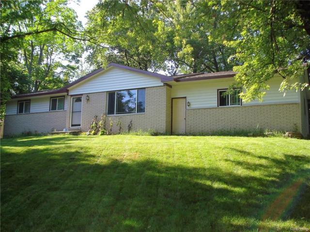 5086 Oneida Drive, Independence Twp, MI 48348 (#217062678) :: Simon Thomas Homes