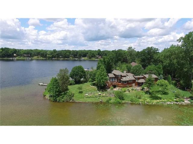 1311 Sylvan Drive, Hartland Twp, MI 48353 (#217069377) :: The Buckley Jolley Real Estate Team