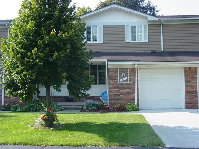321 Hampton Court #25, South Lyon, MI 48178 (#217074751) :: The Buckley Jolley Real Estate Team