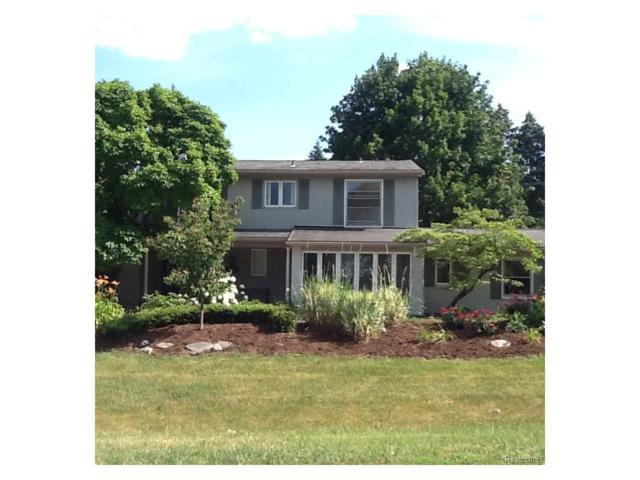 3075 Hartslock Woods Drive, West Bloomfield Twp, MI 48322 (#217075072) :: Simon Thomas Homes