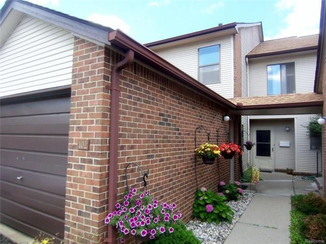 6720 Ridgefield Circle #102, West Bloomfield Twp, MI 48322 (#217075354) :: Simon Thomas Homes