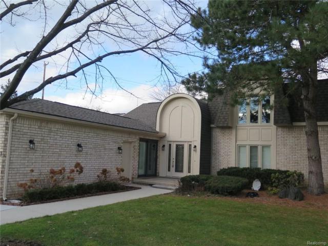 5113 Woodlands Lane, Bloomfield Twp, MI 48302 (#217091127) :: Simon Thomas Homes