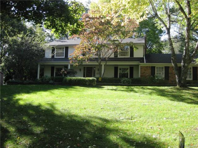 5090 Van Ness Drive, Bloomfield Twp, MI 48302 (#217094087) :: Simon Thomas Homes