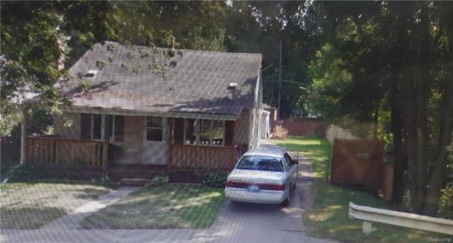 5419 Hipp Street, Dearborn Heights, MI 48125 (MLS #217102430) :: The Toth Team