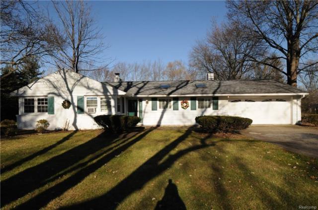 2800 Pine Hill Drive, Troy, MI 48098 (#217104348) :: Simon Thomas Homes