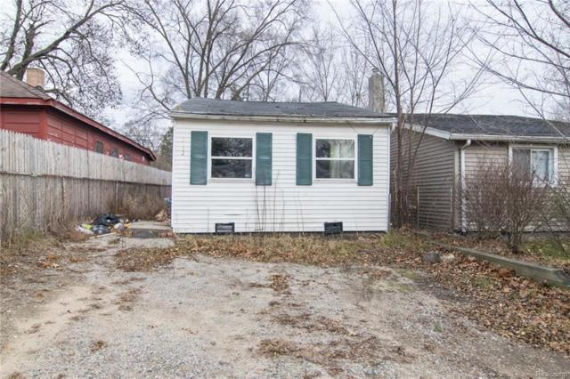 3152 Woodlawn Street, Commerce Twp, MI 48390 (#217107147) :: Duneske Real Estate Advisors