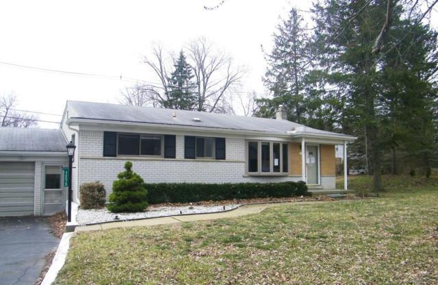 7275 Crestmore Street, West Bloomfield Twp, MI 48323 (#217109087) :: Simon Thomas Homes
