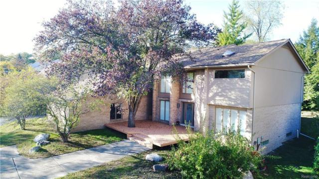 3176 Chambord Drive, West Bloomfield Twp, MI 48323 (#217109980) :: Simon Thomas Homes