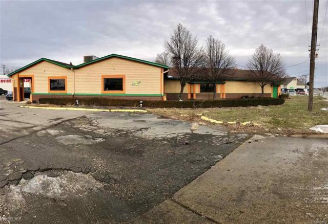 235 N Groesbeck Hwy, Mount Clemens, MI 48043 (#58031337452) :: Duneske Real Estate Advisors