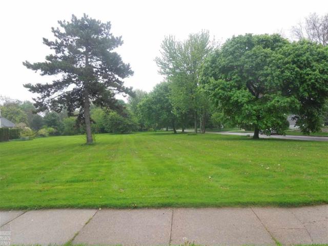882 Ellair Place, Grosse Pointe Park, MI 48230 (MLS #58031337550) :: The Toth Team