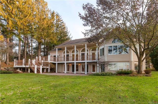 2312 Private Drive, Lake Angelus, MI 48329 (#218001976) :: Duneske Real Estate Advisors