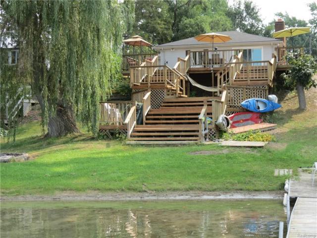 1283 Maxfield Road, Hartland Twp, MI 48353 (#218004914) :: The Buckley Jolley Real Estate Team