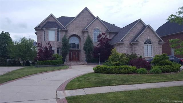 2135 Meadow Reed Dr, Sterling Heights, MI 48314 (MLS #58031338915) :: The Toth Team