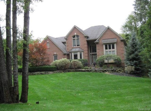 1970 Thorn Crest, Commerce Twp, MI 48382 (MLS #218008839) :: The Toth Team
