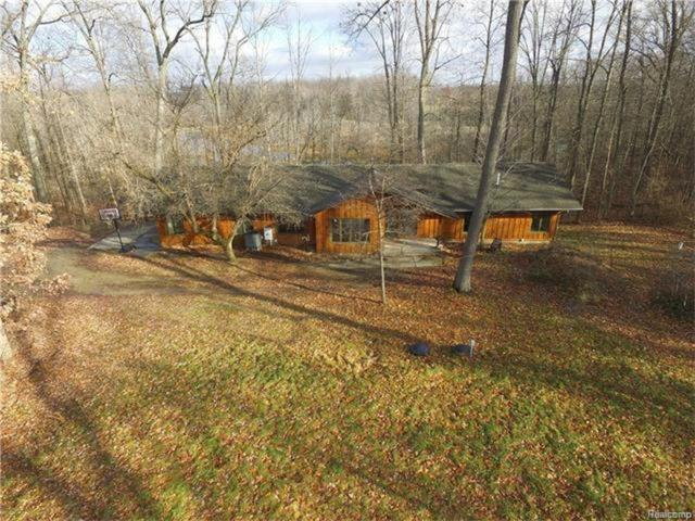 12189 Gage Road, Holly Twp, MI 48442 (#218010224) :: RE/MAX Classic
